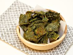 When my stomach heals, this is one of the first things I want to eat- Easy sriracha kale chip recipe