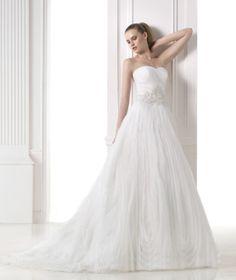 vestido de noiva princesa com folhos pronovias coleção 2015 dreams MALVINA #casarcomgosto
