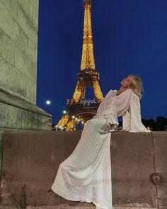 A Day In Paris, Paris Girl, City Aesthetic, Travel Aesthetic, Tour Eiffel, France, Oui Oui, Paris Travel, Around The Worlds