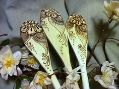 Beautiful wooden spoon faux henna art