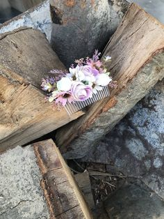 hrebienok do vlasov vyrobený z umelých kvetov, vhodný na každú príležitosť