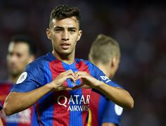 Munir El Haddadi of FC Barcelona celebrates after scoring during the match between Sevilla FC vs FC Barcelona as part of the Spanish Super Cup Final Leg at Estadio Ramon Sanchez Pizjuan on August. Professional Football, Fc Barcelona, Football Players, Scores, Cool Pictures, Celebrities, Soccer Players, Celebs, Celebrity