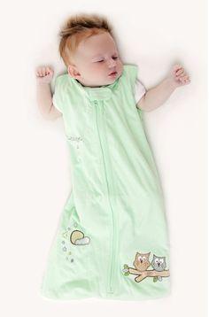 Unser Design Mint Eule in mintgrün aus weichem 100% Baumwoll/Jersey ist eine tolle Alternative zu blau oder pink. Der Schlafsack ist hübsch bestickt mit kleinen Eulen und Sternenhimmel. Verschieden Ausführungen auf www.schlummersack.de