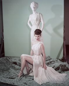 American actress Ava Gardner on the set of One Touch of Venus, directed by William A. Get premium, high resolution news photos at Getty Images Vintage Hollywood, Hollywood Glamour, Hollywood Stars, Hollywood Actresses, Classic Hollywood, Actors & Actresses, Ava Gardner Photos, Ava Gardener, Movies