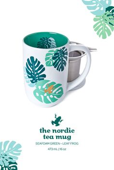 With its jungle-inspired mosaic print, this infuser mug is a keeper.