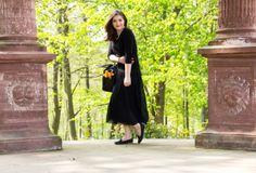 Outfit- All Black: Midi Plissee Skirt with Mac Morange