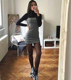Riemenkleid mit Schottenmuster - als Bild / S - Source by dress outfit Look Fashion, 90s Fashion, Korean Fashion, Womens Fashion, High Street Fashion, Ladies Fashion, High Fashion Outfits, Fashion Moda, School Fashion