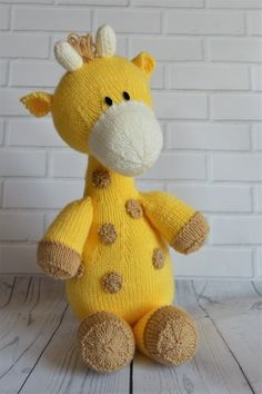 Raf the Giraffe is a knitting pattern with yellow and brown spots and long neck and cute features. The pattern is easy to read and simple to make with double knitting yarn. It is available to downlo. Animal Knitting Patterns, Crochet Toys Patterns, Stuffed Animal Patterns, Giraffe Toy, Giraffe Pattern, Giraffe Crafts, Knitted Dolls, Crochet Dolls, Crochet Crafts
