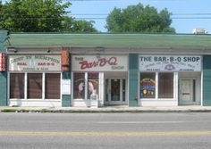 Bar-B-Que Shop, #Memphis - This small joint is known for a killer piled-high pork sandwich on Texas toast.