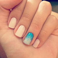 Neutral nails and blue with silver sparkles ring finger. I really like how these nails look. I might actually do this nail idea sometime Get Nails, Fancy Nails, How To Do Nails, Hair And Nails, Classy Nails, Gradient Nails, Nude Nails, Glitter Nails, Sparkle Nails