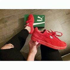 on sale 22dc6 b67e3 Puma suedes in red