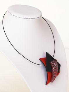 Marta Navratilova, magic hidden necklace