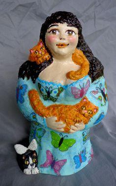 Boneca Gateira, feita por encomenda pra minha amiga, Patricia Pinho com seus gatos..