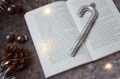 Boa noite :) .  Credits to @bibliophilicbabe .  #bookgram #book #books #bookstagram #bookworm #booklover #bookaholic #bookish #bookaddict #bookphotography #bookstagramfeature #bookoftheday
