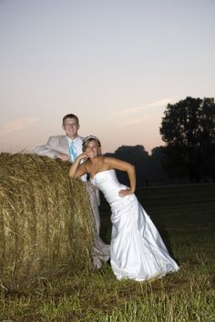 This would be cute but up against one of the trees instead of a hay bale