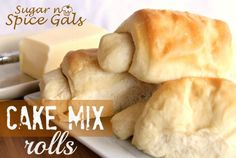 Spice Gals: Cake Mix Dinner Rolls These sure sound interesting 40th Cake, Cake Mix Recipes, Jiffy Recipes, Yummy Recipes, Yellow Cake Mixes, Rolls Recipe, Dinner Rolls, Sugar And Spice, Gourmet