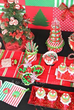 Red and Green Christmas Sweets Table #christmas #sweetstable