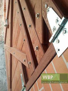 Portão de madeira plástica