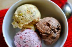 Spumoni gelato pistachio and chocolate ice cream How To Make Gelato, Love And Gelato, Gelato Flavors, Gelato Recipe, Chocolate Sorbet, Chocolate Ice Cream, Frozen Desserts, Homemade Sorbet, Deserts