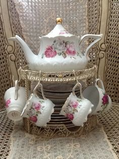 Tea please...  GREAT IDEA - ALL IN ONE FOR EASY SERVING! TEAPOT, CUPS AND PLATES.  B.
