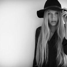 oliver fischer Hats, Fashion, Photography, Moda, Hat, Fasion, Trendy Fashion, La Mode