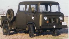 Jeep Forward Control Crew Cab 4x4, M677