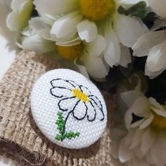 Simple Embroidery, Beaded Embroidery, Cross Stitch Embroidery, Hand Embroidery, Tiny Cross Stitch, Baby Cross Stitch Patterns, Beaded Brooch, Cross Stitching, Diy And Crafts