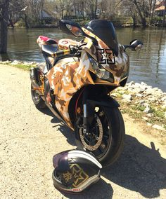 2014 cbr1000rr gold camo. Austin racing GP1 exhaust. Dunlop Q3 tires.