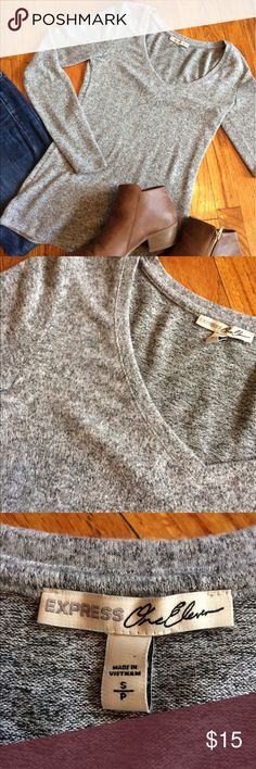 😋ONE HOUR SALE😋Express long sleeve shirt The softest Express long sleeve gray top, size small. New just without the tags. This sweater is really beautiful, it looks perfect with a pair of jeans 😊Measurements: Bust: 14 inches, Sleeve: 19 1/2 inches, Length:  24 1/2 inches ✅OFFER BELOW✅ 🚫TRADES🚫 Express Tops Tees - Long Sleeve