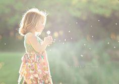 Να γελάς... Να τολμάς... Να ονειρεύεσαι... Να προσδοκείς... Να πολεμάς...Να αγαπάς! Απλα να ΖΕΙΣ...     Η ΕΥΤΥΧΙΑ σε κάνει γλυκό... Τα ΕΜΠΟΔΙΑ σε κρατούν δυνατό... Οι ΘΛΙΨΕΙΣ σε κρατούν άνθρωπο... Οι ΑΠΟΤΥΧΙΕΣ σε κρατούν ταπεινό... και η ΕΠΙΤΥΧΙΑ σε κάνει να λάμπεις!!!!!!!!!