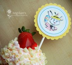 Easter Cupcake Topper by Angi Barrs using Pretty Little Studio vintage Easter Bunny! Easter Projects, Easter Cupcakes, Vintage Easter, Cupcake Toppers, Easter Bunny, Pretty Little, Bakery, Studio, Day