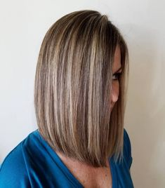 20 Best Hair Color Ideas in the World of Chunky Highlights - - Brown Bob with Blonde Highlights Blonde Lowlights, Chunky Highlights, Brown Hair With Blonde Highlights, Hair Color Highlights, Auburn Highlights, Caramel Highlights, Hair Color And Cut, Cool Hair Color, Highlight Bob