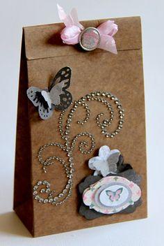 Gift box - Scrapbook.com Jolanda Meurs@Zva Creative