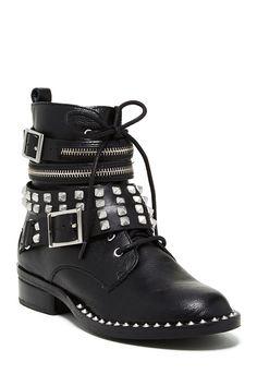 I neeeeeed these boots