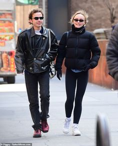 Lily-Rose Depp looks so casual and relaxed in a black puffer jacket by Aritzia and black leggings as she was walking with her friend to grab morning coffee in New York Lily Rose Depp Style, Lily Rose Melody Depp, Model Street Style, Casual Street Style, Lily Depp, Black Puffer, Clothes, Celeb Style, 90s Style