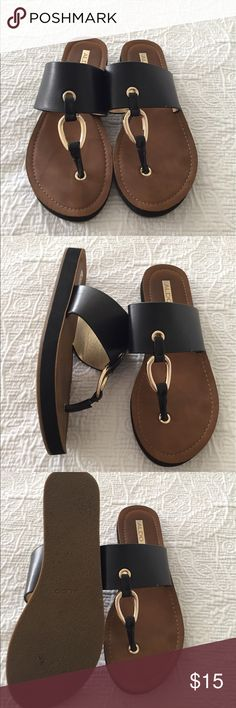 Super cute Aldo Black and brown slip on sandals Super cute comfy slip on sandal with gold buckle and brown insole! Great for spring / summer sure to look great with all outfits!! They are in great condition and only worn a few times!!!❤️ Aldo Shoes Sandals