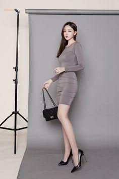 ( *`ω´) ιf you dᎾℕ't lιkє Ꮗhat you sєє❤, plєᎯsє bє kιnd Ꭿℕd just movє ᎯlᎾng. Fashion Models, Girl Fashion, Fashion Outfits, Fashion Tips, Womens Fashion, Sexy Asian Girls, Beautiful Asian Girls, Hot Bikini, Bikini Girls