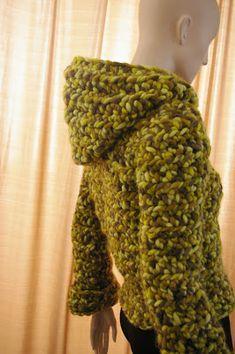 Cuando escogí esta lana ya me comentaron que para tejerla con el ganchillo era bastante difícil. La lana es de Katia, Iceberg 100% Lana Virg...