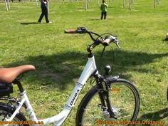#Bicicleta #electrica modelo Ondacity marca Ondabike (2).  Vista panorámica de las #bicicletaselectricas modelo Ondacity1 (para señora), y modelo Ondacity2 (para caballero) de la marca Ondabike. Los dos modelos son idénticos con la excepción de la barra central. En el video el modelo caballero incorpora una silla de niño en el portaequipajes (puede soportar hasta 70kgs).
