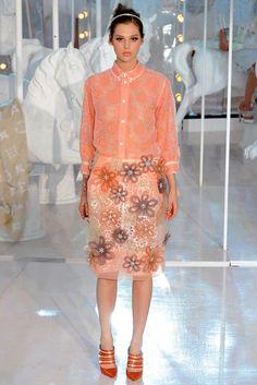 Louis Vuitton Spring 2012 Ready-to-Wear Fashion Show - Anais Pouliot (Elite)