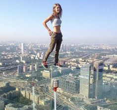 Home Discover Amazing mind-blowing selfies of city climbers. naaaa more like really stupid people with attention deficit Cool Pictures Cool Photos Scary Places Crazy People Stupid People Parkour Extreme Sports Climbers Beautiful Places Cool Pictures, Cool Photos, Scary Places, Crazy People, Stupid People, Parkour, Extreme Sports, Climbers, Beautiful Places