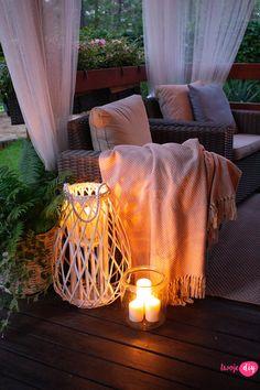 Jak urządzić drewniany taras? Moje sposoby na wyjątkowy klimat. - Twoje DIY Home Design Plans, Home Interior Design, Bahay Kubo Design, Cozy Place, House In The Woods, Tiny House, Beautiful Homes, Cottage, House Design