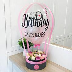 Balloon Gift, Balloon Box, Air Balloon, Balloon Flowers, Balloon Bouquet, Cute Birthday Gift, Diy Birthday, Bouquet Box, Flower Box Gift
