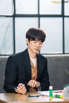 Yoo Yeon Seok, Lee Jong Suk, Weightlifting Fairy Kim Bok Joo, Korean Actors, Pretty Boys, Weight Lifting, Kdrama, Crushes, Handsome