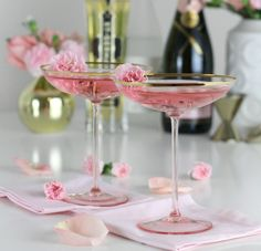 Sweet, bubbly, and floral, our La Fleurette cocktail will have you dreaming of spring. Champagne combined with floral flavors makes a drink worth sharing! Party Drinks, Cocktail Drinks, Cocktail Recipes, Alcoholic Drinks, Sweet Cocktails, Holiday Drinks, Pink Food Coloring, Welcome Drink, Pink Foods