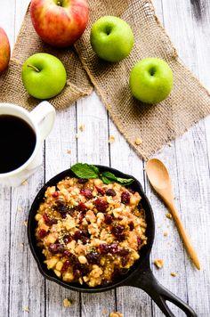 Raw Apple-Cinnamon and Chia Breakfast Bowl (This recipe uses Honeycrisp apples!) #EatApples
