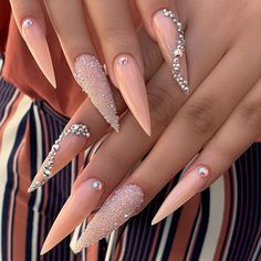 Stiletto nail art design is one of the most popular nail shapes. If you like a bold look, stiletto nails are your best choice. Whether you like it or not, the trend of stiletto nails is hard to change. In this article, we have collected 65 stylish s Rhinestone Nails, Bling Nails, Swag Nails, My Nails, Rhinestone Nail Designs, Nail Art Rhinestones, Best Acrylic Nails, Summer Acrylic Nails, Summer Nails