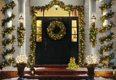 Having outdoor Christmas decorations is a fun way to decortate for the holiday season. Check out these front door christmas decorations to get fun ideas! Christmas Wreaths With Lights, Front Door Christmas Decorations, Christmas Front Doors, Christmas Porch, Christmas Themes, Holiday Decor, Outdoor Christmas Wreaths, Country Christmas, Christmas Snowman