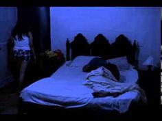 Remake de Actividad Paranormal realizado por la estudiante Sofía Estrada. La historia se centra en una joven pareja que vive atormentada en su propia casa. #UCSG #Guayaquil #Ecuador #Corto #Cortometraje #Shortfilm