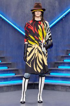 Balenciaga Pre-Fall 2012 Fashion Show - Laura Kampman